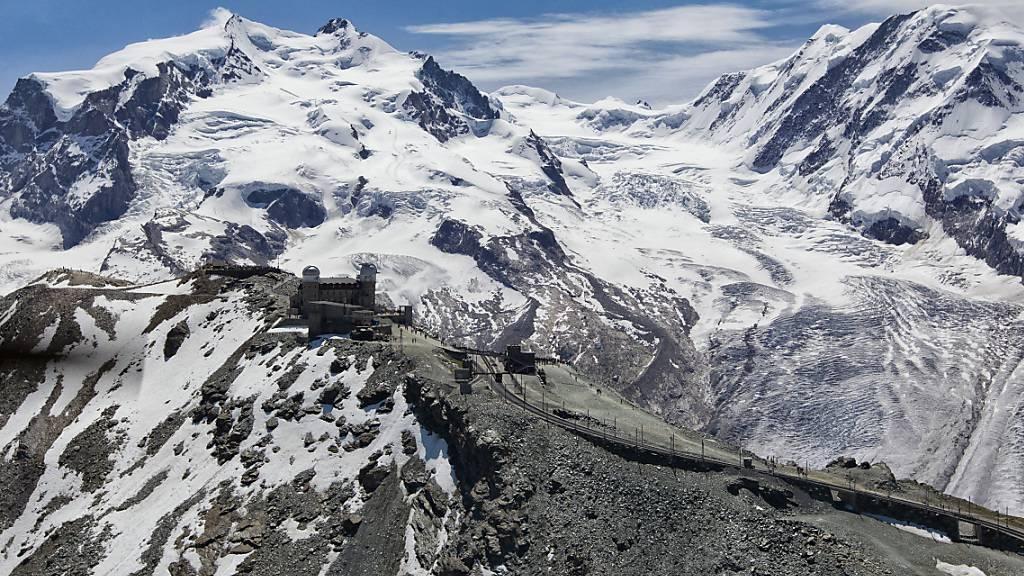 Blick vom Gornergrat ins Monte Rosa Massiv: In den Zentralalpen wachsen die Alpen schneller als die Erosion mithalten kann.