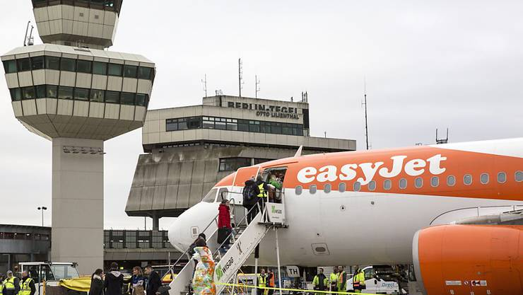 Billigfluggesellschaften wie Easyjet beförderten im letzten Jahr weltweit 1,2 Milliarden Passagiere - 30 Prozent des zivilen Flugverkehrs. (Symbolbild)