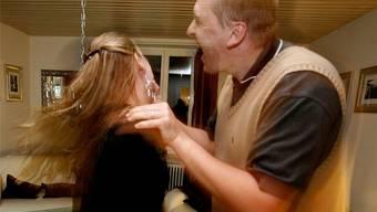 Mit der Bevölkerungszunahme hat laut Graser auch der Anteil an Mitbürgern zugenommen, die «aufgrund ihrer kulturellen Prägung häusliche Gewalt anwenden». (Symboldbild)