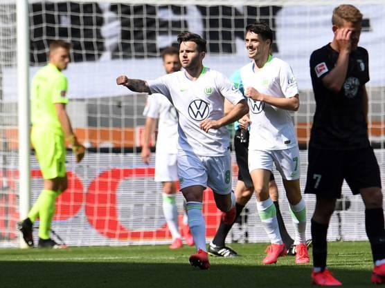 Renato Steffen (Mitte) erzielte in Augsburg bereits seinen fünften Treffer in der Bundesliga-Rückrunde