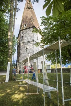 Was für eine Kulisse für ein Openair-Kino: Der Krummturm im Hintergrund
