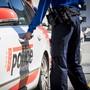 Im Wallis haben sich in der Silvesternacht mehrere Personen verletzt, als in einem öffentlichen Lokal ein Knallkörper explodierte. (Symbolbild)
