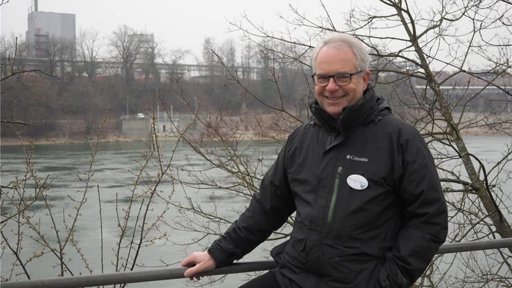 Glaubt an das Ja: Ueli Urwyler von der IG Pro Steg an der Stelle, wo der neue Rheinsteg in der Schweiz landen soll. Thomas Wehrli