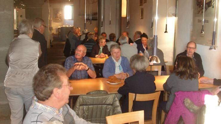 Beim Kaffee-Gipfeli im Restaurant Hof zu Wil
