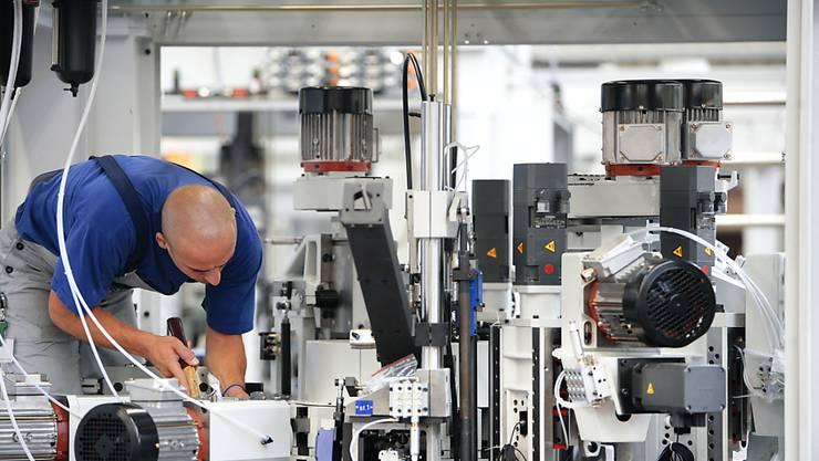 Der Maschinenhersteller Mikron hat 2017 weniger Umsatz und weniger Gewinn erzielt. (Archiv)