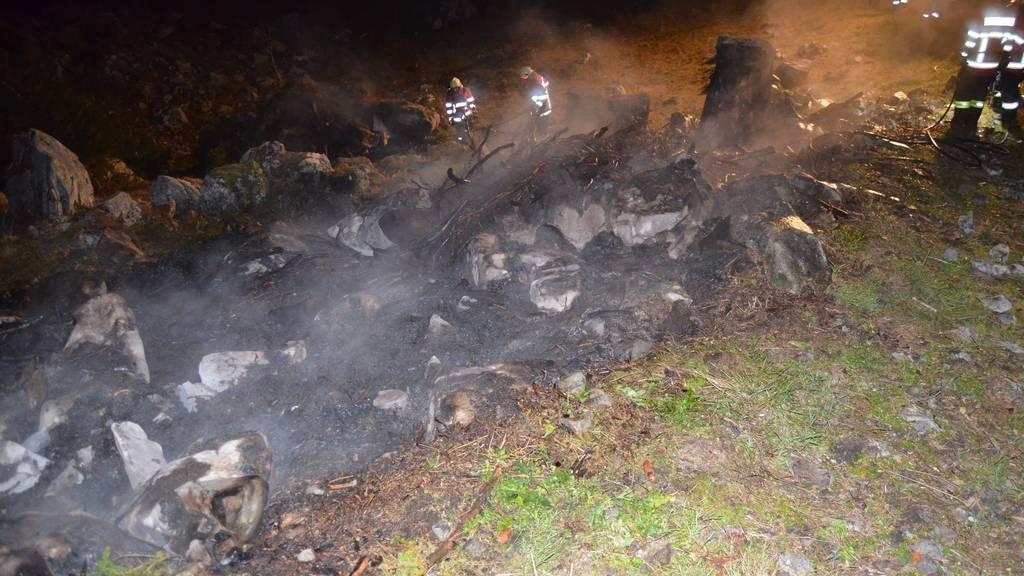 Die Feuerwehr Urnäsch musste die illegalen Feuer löschen