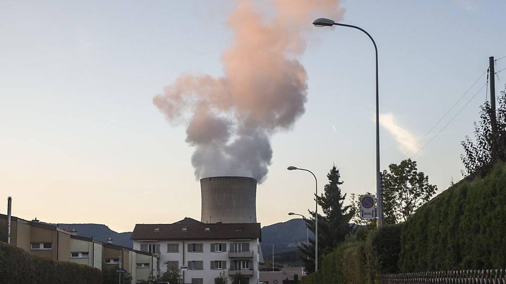 Der Ständerat will keine Laufzeitbeschränkung für Atomkraftewrke. Er empfiehlt die Atomausstiegsinitiative der Grünen zur Ablehnung. (Archiv)