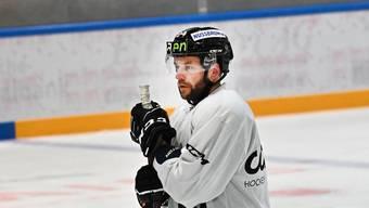 Einsam auf der Tribüne statt auf dem Eis: Marco Truttmann.