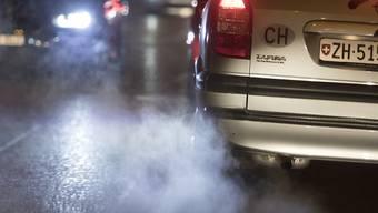 Nach stundenlangem Ringen haben die EU-Umweltminister einen Kompromiss bei den CO2-Grenzwerten für Autos und Lieferwagen erzielt. (Symbolbild)