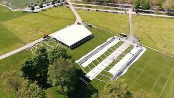 Das Drohnen-Video zeigt: Der Aufbau für das Eidgenössische Turnfest 2019 im Aarauer Schachen geht zügig voran.