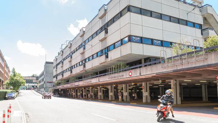 Teile des Badener Postgebäudes werden zu einem Einkaufszentrum.