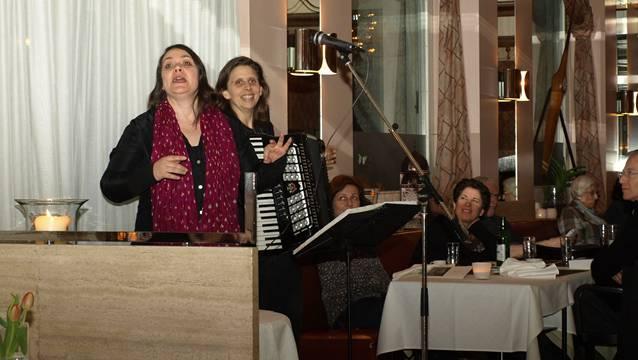 Gaben alles: Nicole Knuth (links) und Olga Tucek als Knuth & Tucek beim Finale im Oltner Aarhof