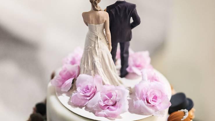 Die Abschaffung der Heiratsstrafe wird erneut diskutiert - diesmal mit anderen Zahlen. (Symbolbild)