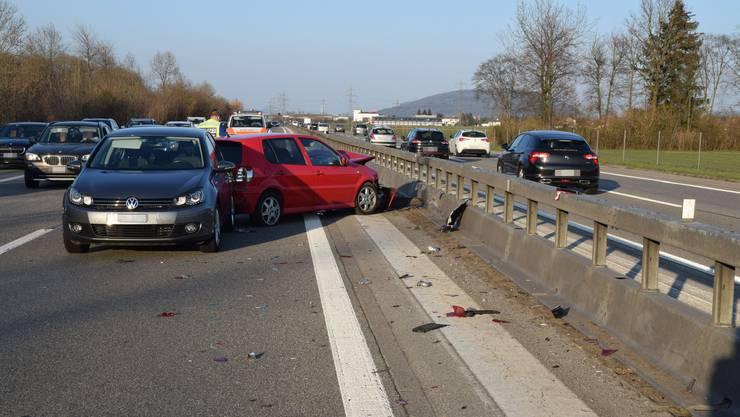 Auf der Autobahn A1 kam es gleich zu zwei Auffahrkollisionen.