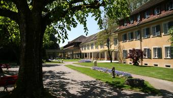 Der Gebäudekomplex Bad Schinznach zeugt gleichermassen von Traditionsbewusstsein und Entwicklung.(Bild: pbe)