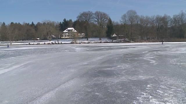 Grösster See der Region zugefroren