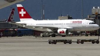 Eine Swiss-Maschine musste am Flughafen Genf zwischenlanden. (Archiv)