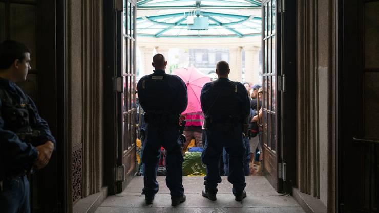 Der Sonderzug ab Badischer Bahnhof Basel hatte wegen der Polizeikontrollen massive Verspätung.