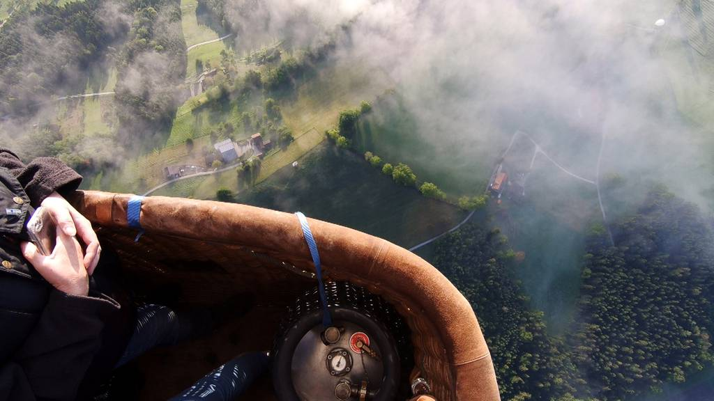 Buntes Ballett am Himmel: Schweizermeisterschaft im Heissluftballonfahren