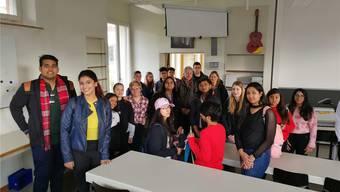 «Grüzee», sagte ein Inder. Die Schüler der Neuen Kantonsschule Aarau (NKSA) empfingen gestern die 20 Schüler aus Neu-Delhi.
