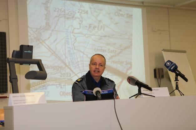 Kommandant Reto Pfister an der Medienkonferenz