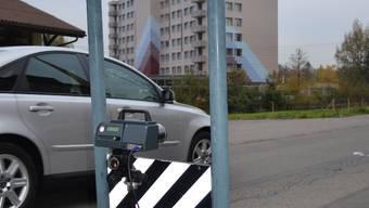 Laser-Messung: Kleingerät mit grosser Reichweite und Kostenfolge.  SL