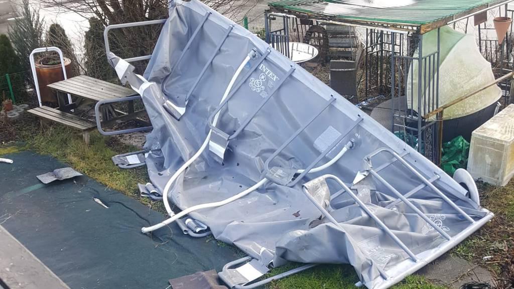 Polizei zählt über 80 Meldungen: Sturm «Sabine» zieht über den Aargau