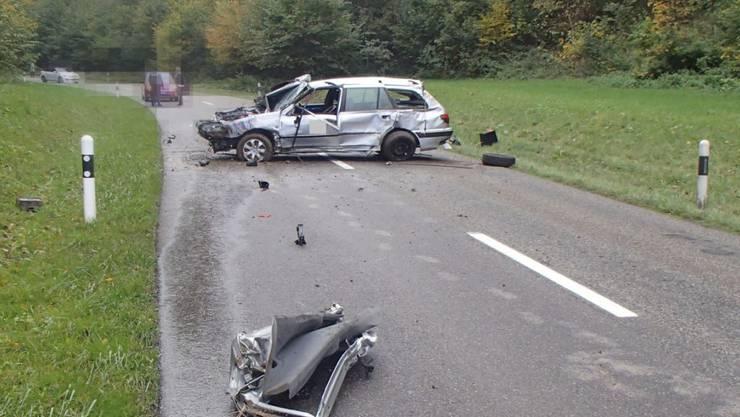 Obwohl sich sein Auto mehrere Male überschlagen hatte, blieb der Fahrer unverletzt.