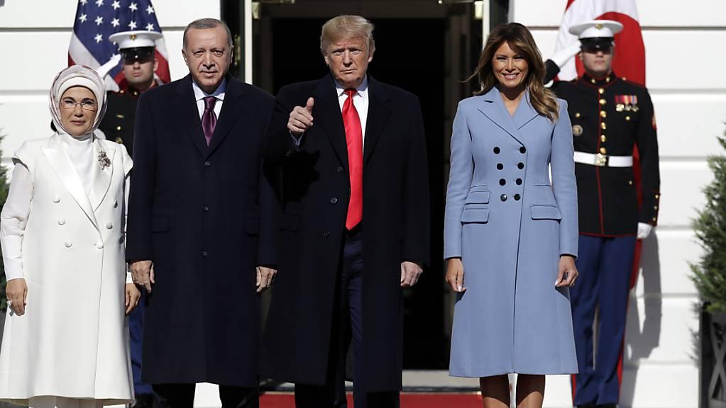 «Familienfoto» vor dem Weissen Haus. Von links: Emine und Recep Tayyip Erdogan, Donald und Melania Trump.