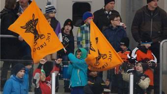 Der EHC Urdorf ist auf die vollste Unterstützung ihrer Fans angewiesen wenn sie den Sprung über den Strich schaffen wollen.