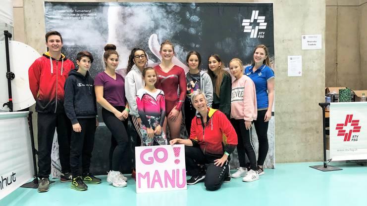 Gland – die Geräteturnerinnen aus Kleindöttingen mit Fanclub. Vorne in der Mitte Noemi Hauenstein und dahinter rechts Manuela Kramer.