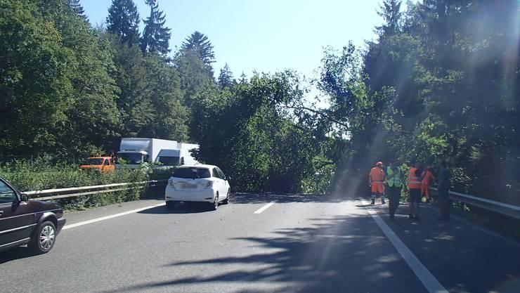 Autobahn A1 in Suhr 45 Minuten gesperrt