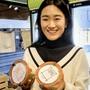 Jinhee Park Heiber spart die letzten zwei Gläser der Woche für Freunde auf.