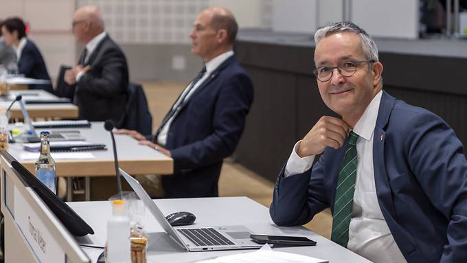 Die Baselbieter Regierung mit Thomas Weber (r.) darf ab 1.Juni keine Notverordnungen mehr beschliessen.
