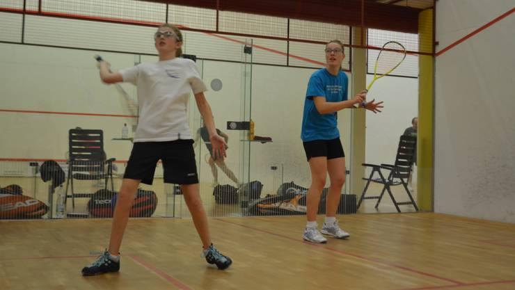 Céline Walser (links) trainiert zusammen mit Nadia Pfister.  jam