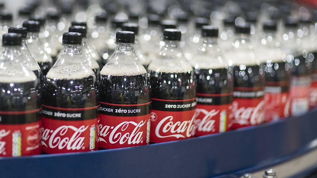 Getränkekonzern Coca-Cola wächst kräftig – Ausblick angehoben