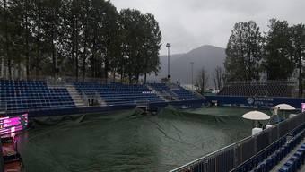 Ein tristes Bild: der Centre Court des TC Lido Lugano im Regen