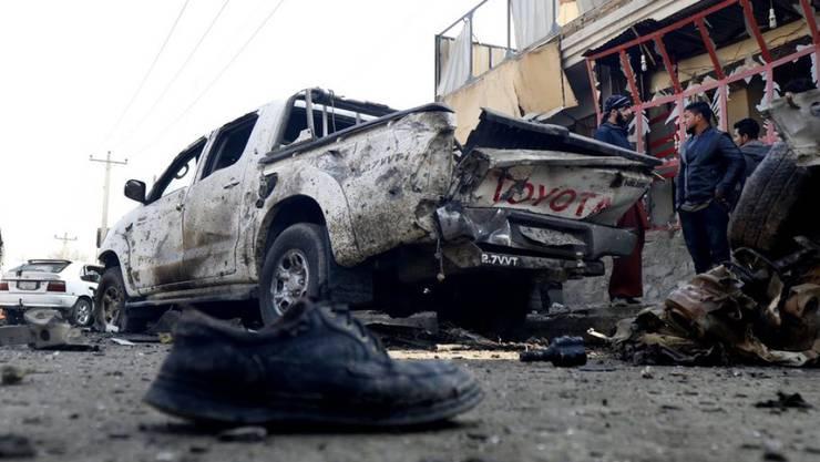 Bei einem Anschlag bei Kabul stirbt ein Zivilist.