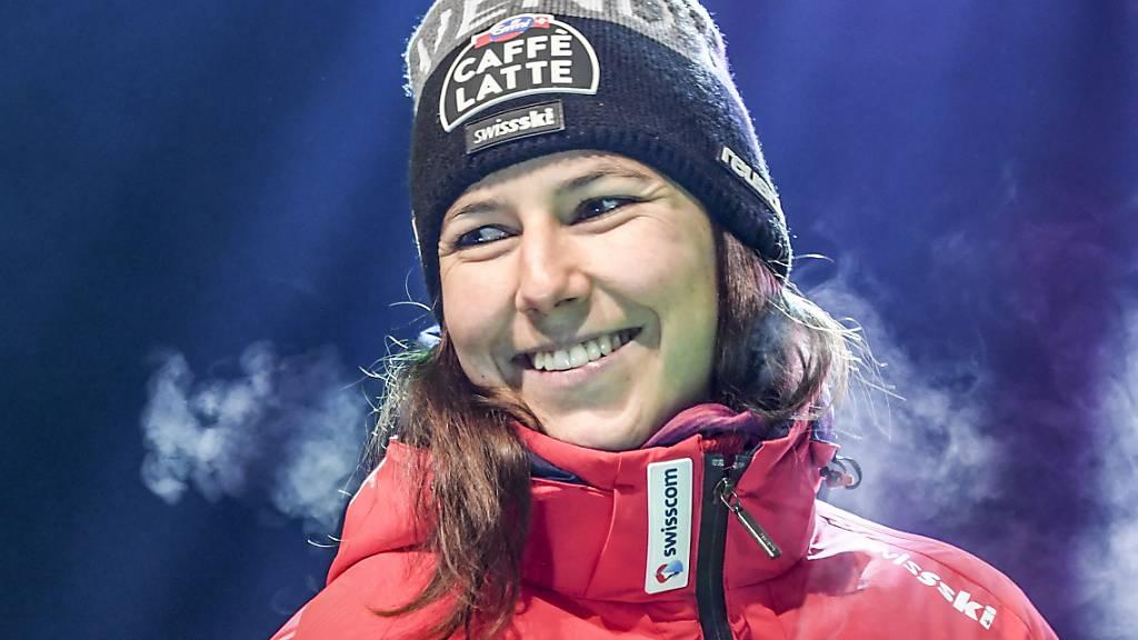 Shiffrin gewinnt ersten Slalom der Saison – vor Holdener