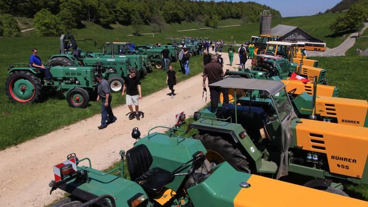 Traktoren-Stelldichein auf dem Weissensten