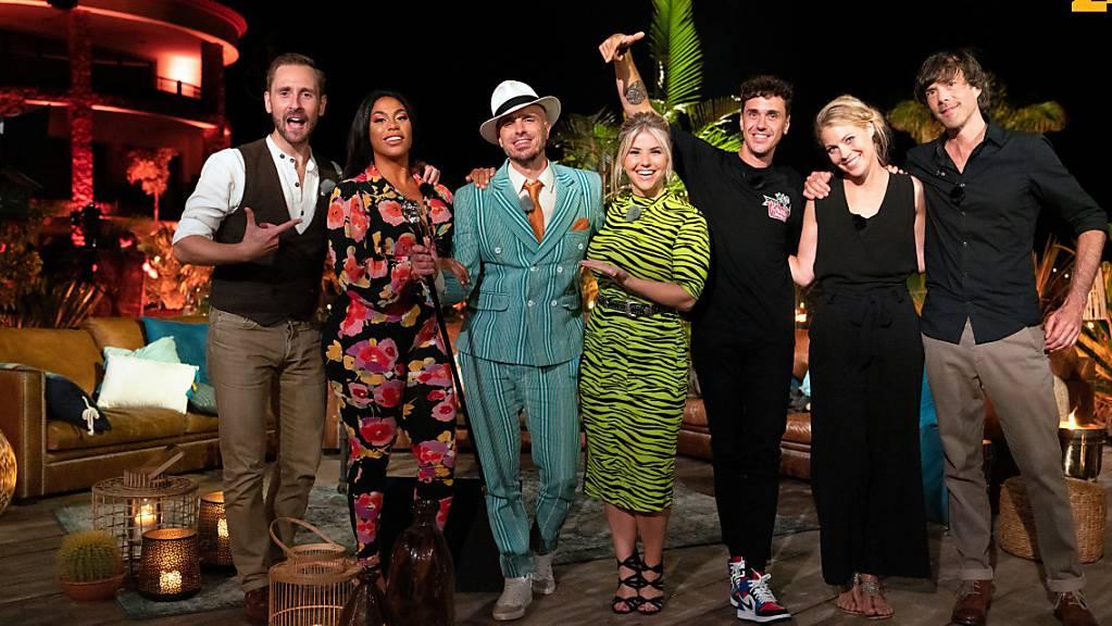 Kunz, Ta'Shan, Dodo, Beatrice Egli, Seven, Jaël und Adrian Stern (v.l.n.r.) sind ab Mittwochabend in der zweiten Staffel «Sing meinen Song - das Schweizer Tauschkonzert» zu sehen.