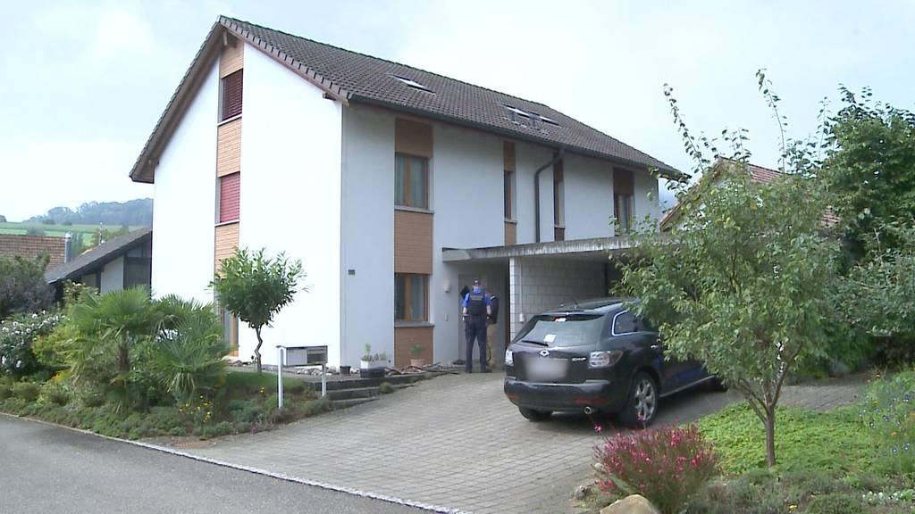 Heftiger Familienstreit: In Erlinsbach greift ein 23-Jähriger seine Mutter mit einem Messer an