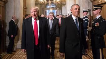 Damals waren sie noch freundlich zueinander: Donald Trump und Barack Obama am 20. Januar 2017 auf dem Weg zu Trumps Amtseinsetzung in Washington D.C..