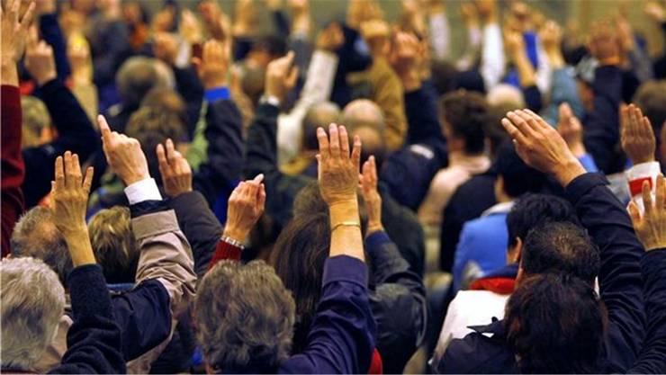 An Gemeindeversammlungen gelten für Risikogruppen keine klaren Regelungen. (Symbolbild)