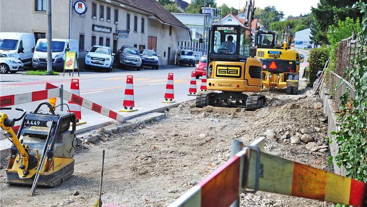 So präsentierte sich die Baustelle gestern: Die Bauarbeiten sollen Mitte November abgeschlossen sein.