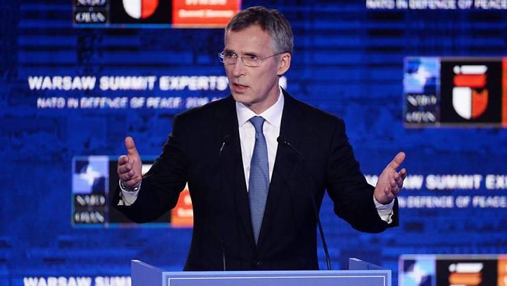 NATO-Generalsekretär Jens Stoltenberg verkündet Abschreckungsmassnahmen gegen Russland an, will aber keinen neuen Kalten Krieg.