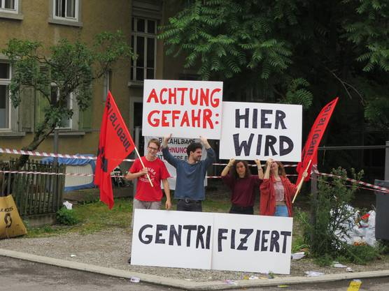 Gestern protestierte die JUSO Stadt Zürichvor Ort gegen den Abriss des Nagelhauses.