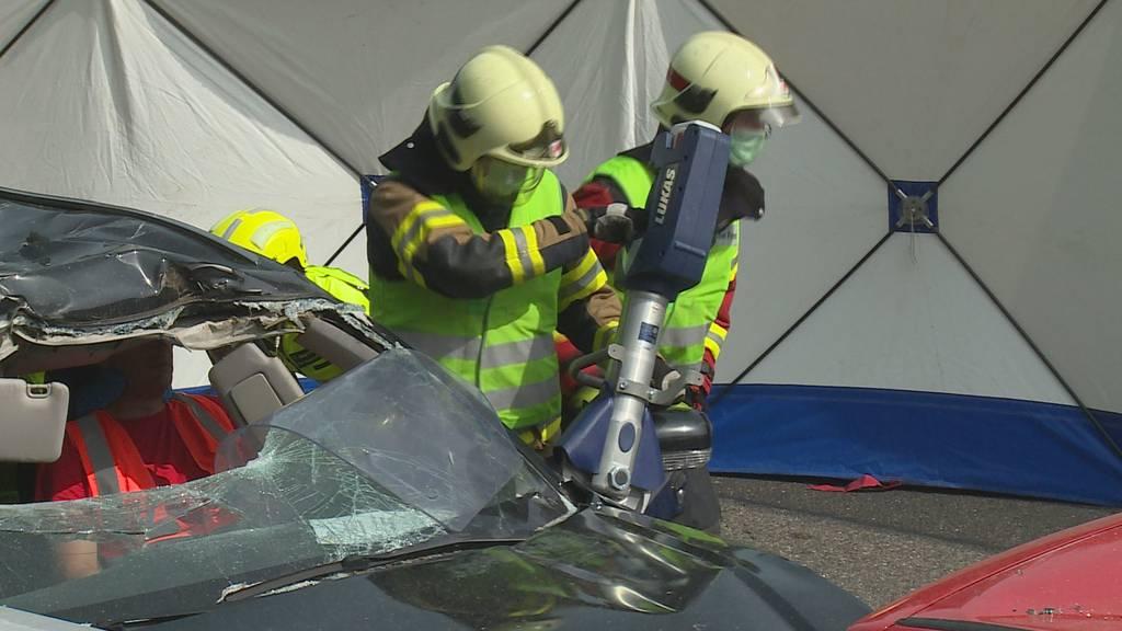 Hautnah dabei: So arbeiten die Rettungskräfte auf der Autobahn