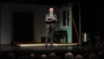 """""""Kulturminister"""" Remo Ankli für einmal selbst auf der Bühne: an einer Jubiläumsfeier im Stadttheater Solothurn."""