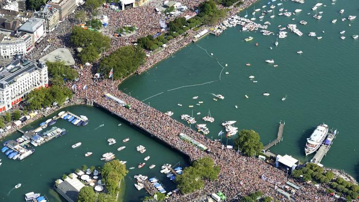 950'000 Menschen feierten rund ums Seebecken